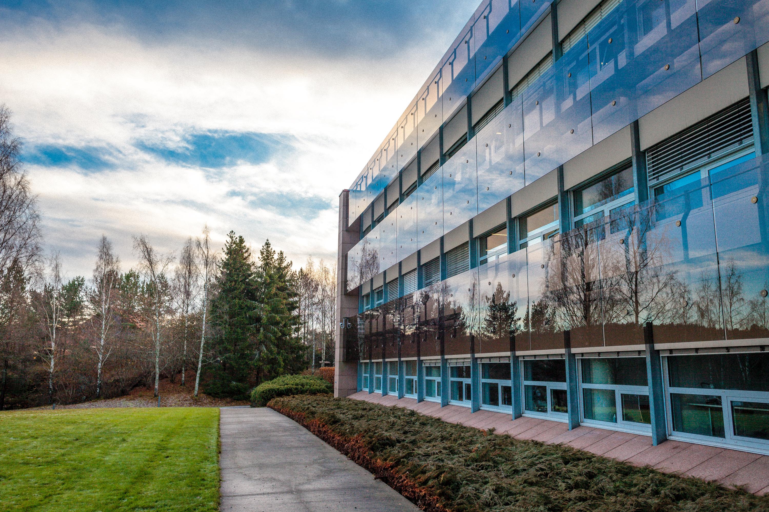 ServerParkering - fasade Rosenholm Campus